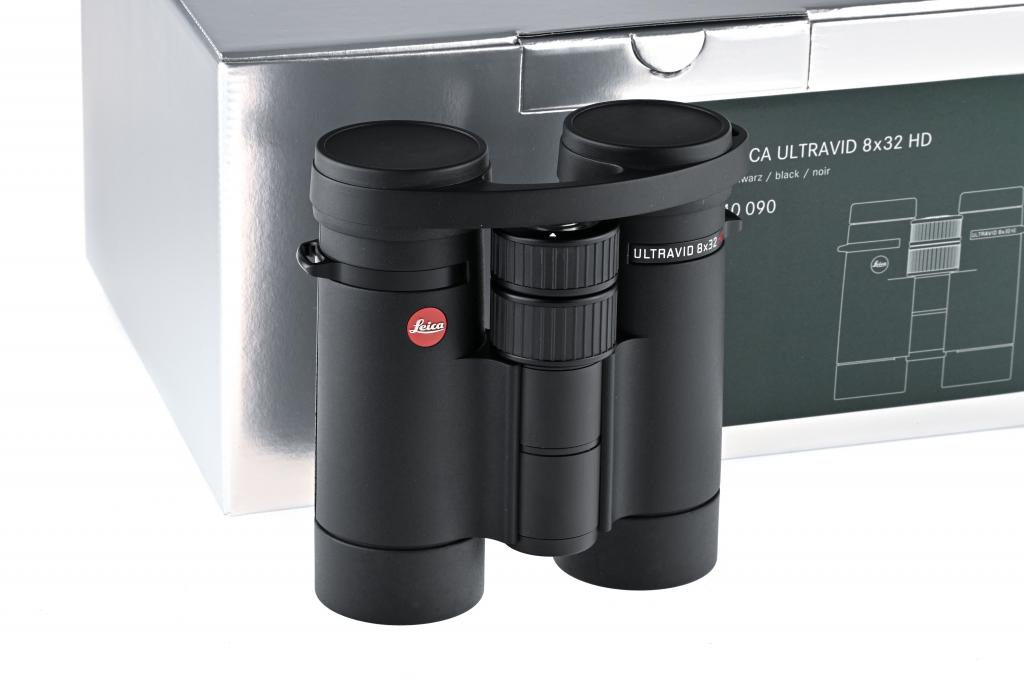 Leica Ultravid 40090  8x32 HD Plus // in like new condition with full warranty
