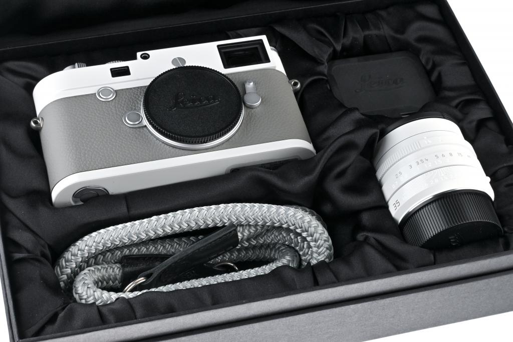 """Leica M10-P 20033 Prototype """"Ghost Edition"""" for Hodinkee - with one year of guarantee"""